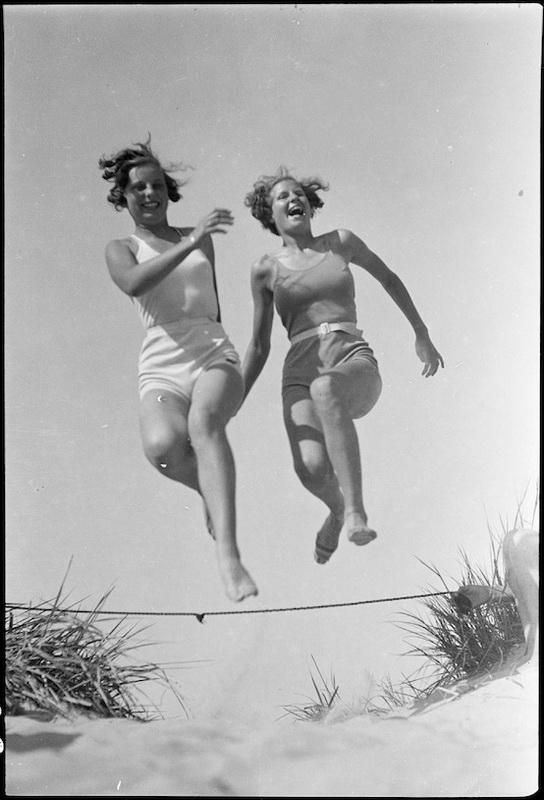 Дания от 30-те и 40-те години в черно-белите фотографии на Свен Тюрк