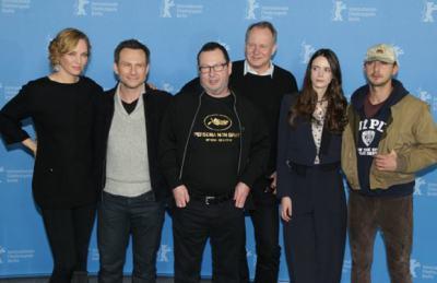 """Световната премиера на """"Нимфоманка"""" премина с бурни овации и скандална провокация от Ларс фон Триер"""