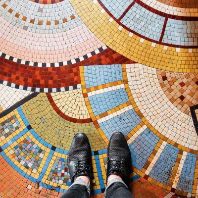 Да се влюбиш в Париж докато гледаш… в краката си (снимки на най-красивите подове)