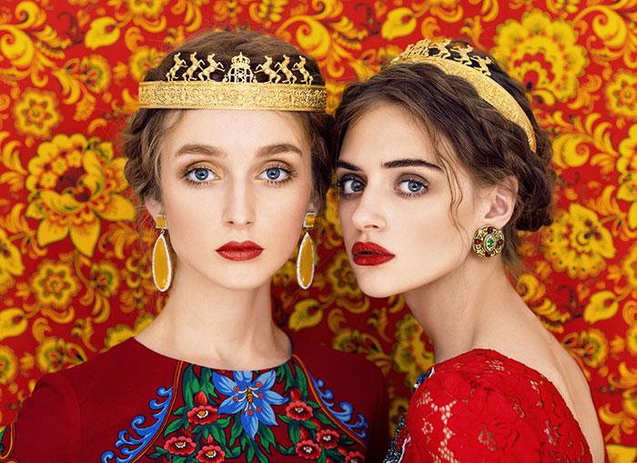 Красотата на славянката е уловена в сюрреалистични портрети