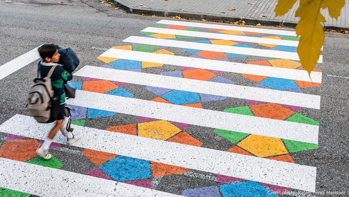 Цветните пешеходни пътеки на един български артист в Мадрид