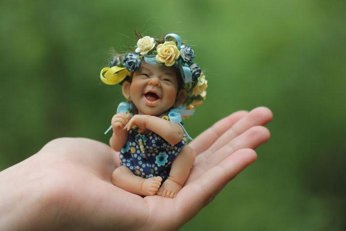 """""""Наглостта да бъдеш щастлив"""" ражда удивително детайлни мини кукли"""
