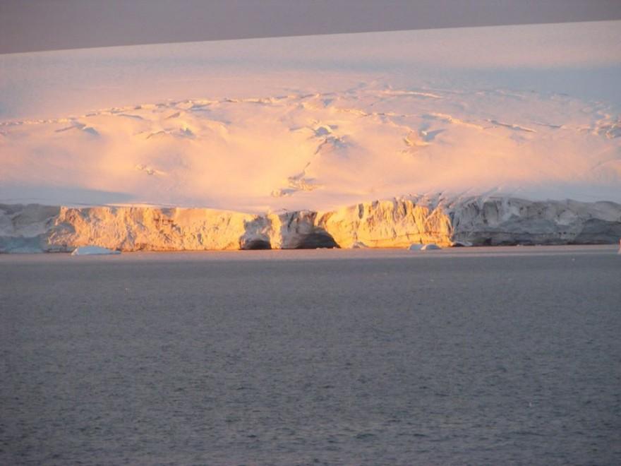 Ледената красавица през обектива на Изабела Шопова