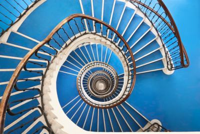 Будапеща ни примамва с хипнотизиращата красота на своите… стълбища
