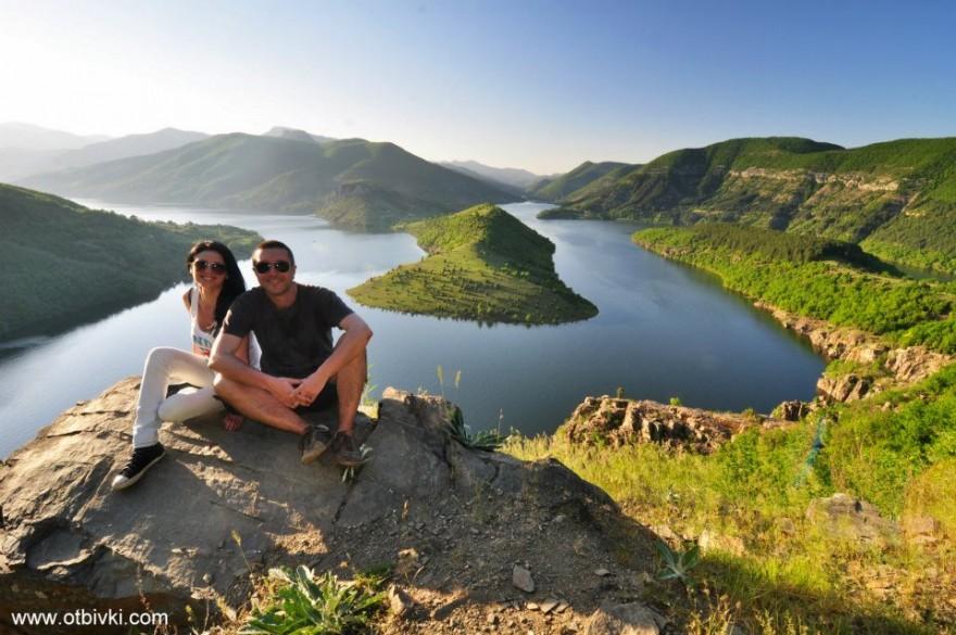 """Елина и Иван: """"101 романтични места в България"""" дава магическото усещане да бъдеш влюбен – в живота, в пътуването, в човека до себе си…"""