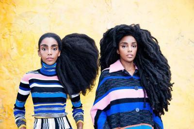 Близначки, страдали като деца заради огромните си естествени коси, ни показват колко е хубаво да си различен
