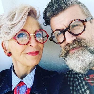 """13 възрастни двойки с красив и пъстър стил на обличане, възприели мотото, че """"Грижата за красотата започва от сърцето"""" (снимки)"""