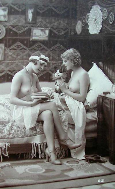 Еротични винтидж картички от 20-те