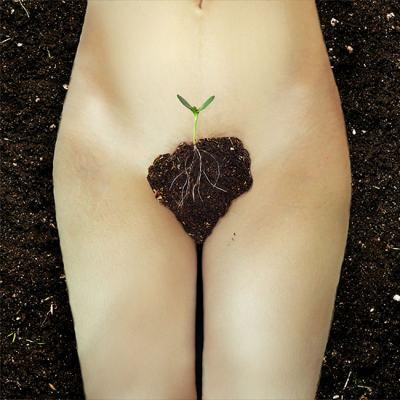 """""""Цъфнала градина"""": самоук фотограф показва възхищението си към силата и красотата на женското тяло"""