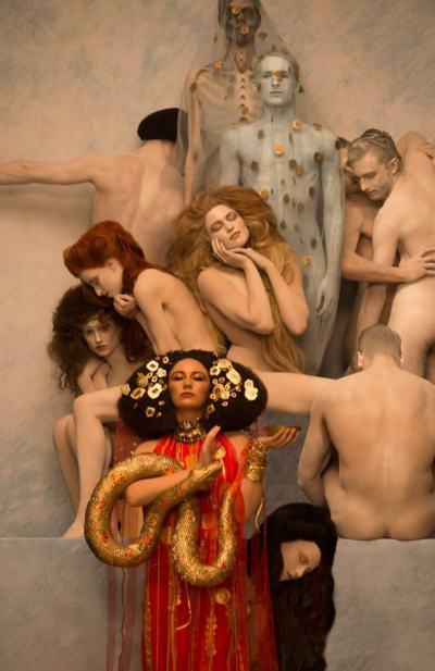 Картините на Густав Климт в живи арт инсталации
