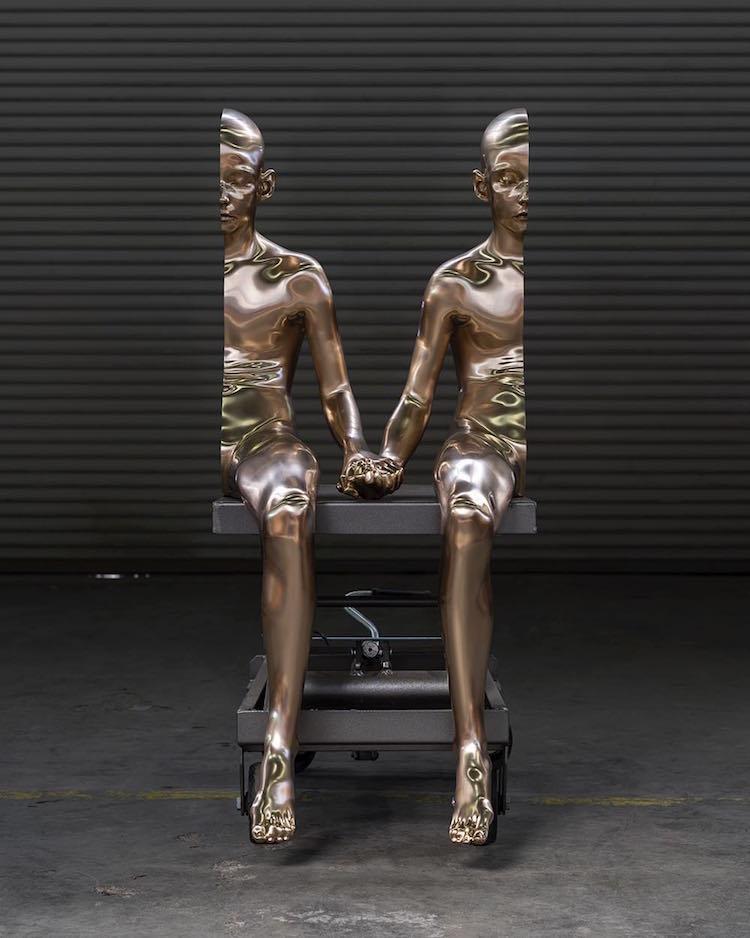 сюрреалистични скулптури