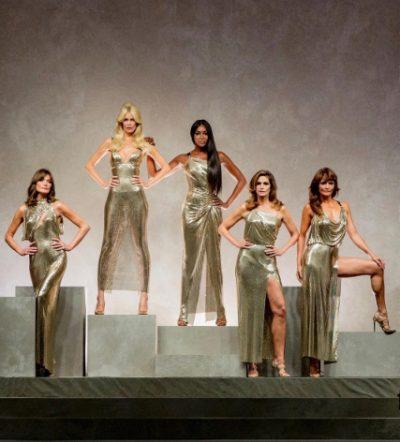 Супермоделите на 90 показаха неостаряваща класа на ревюто на Versace (снимки и видео)
