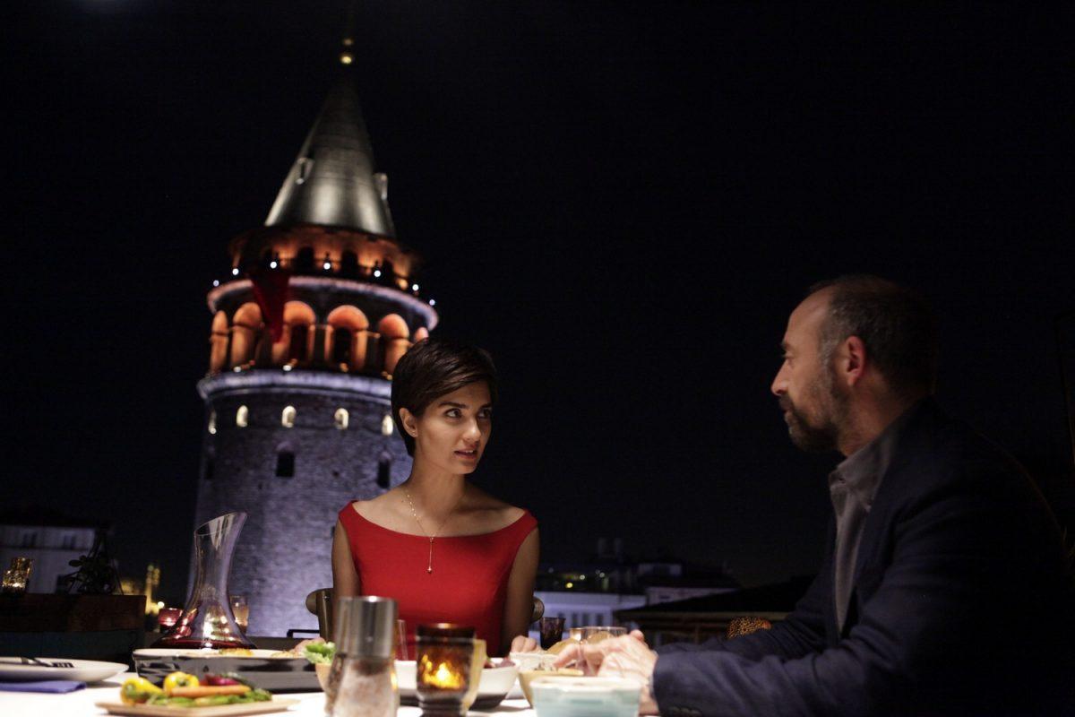 кадър от Истанбул червен
