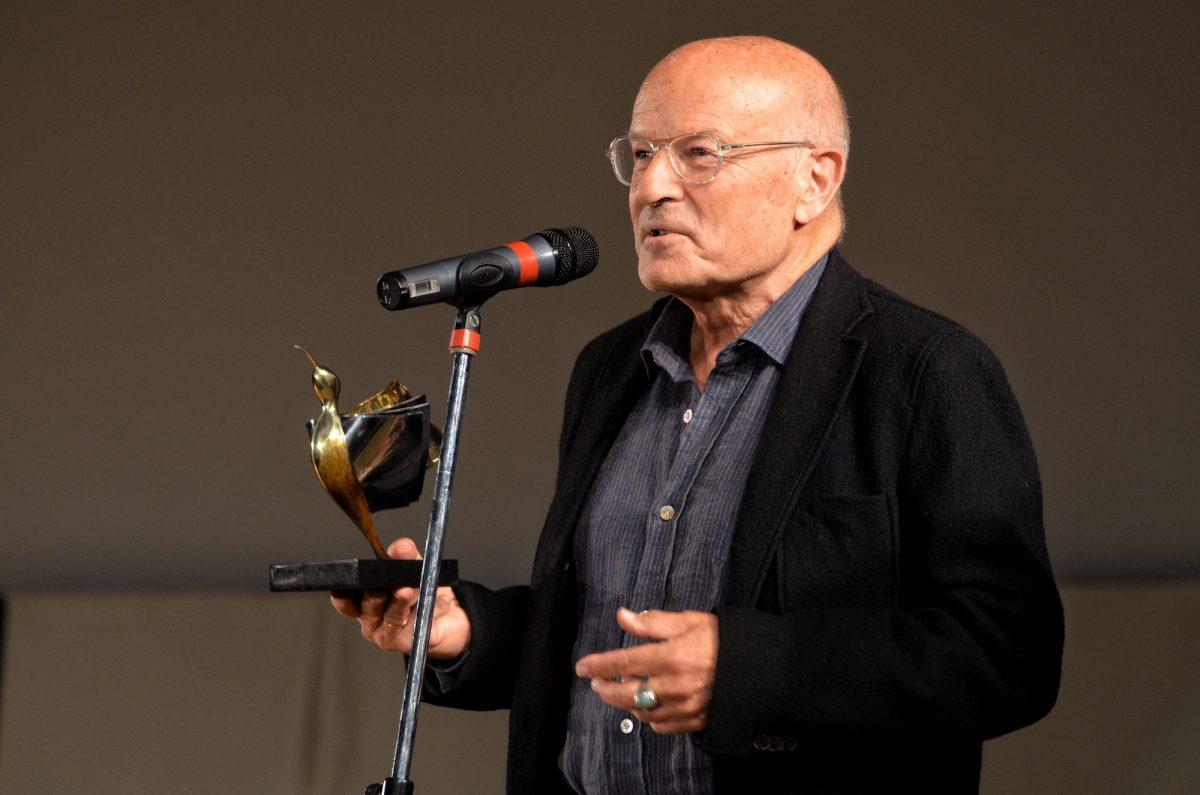 """Фолкер Шльондоф, получавайки наградата """"Синелибри"""""""