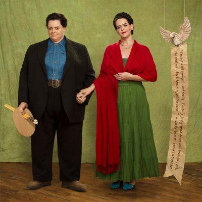 """Отслабнала със 70 килограма жена се """"клонира"""" за забавна фотосесия преди/след"""