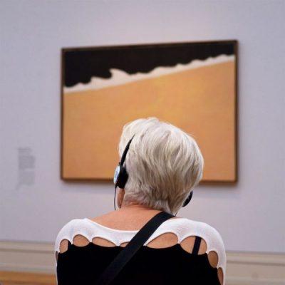 """Фотограф """"дебне"""" дълги часове посетителите на музеи. За да създаде """"Хора, съвпадащи с произведения на изкуството"""""""