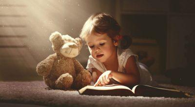 9 детски книги, които да (си) подарите за Коледа