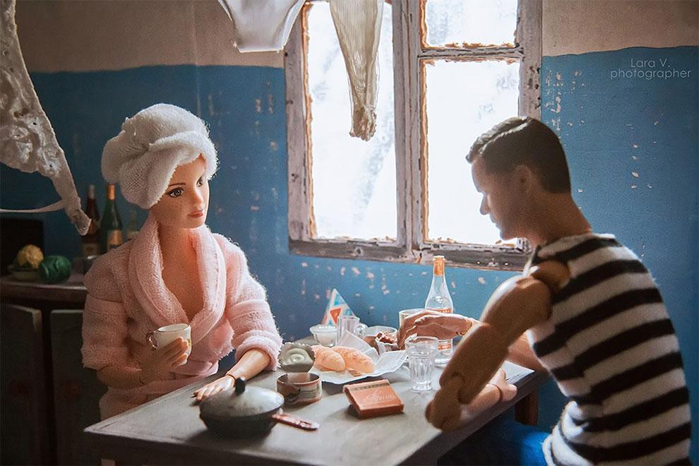 ко Кен, Барби (и свекърва ѝ) живееха в Съветска Русия - снимки