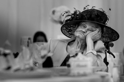 Нетрадиционни кадри от традиционни събития: сватбената фотография, отличена в престижния MyWed Award