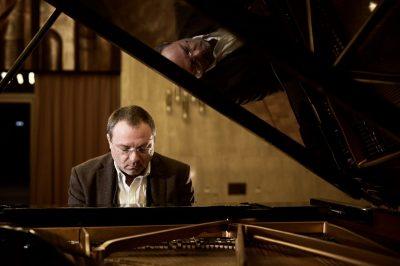 """Ангел Заберски представя джаз аранжимент на """"Вода"""" на Елица и Стунджи. В зала 1 на НДК ще звучат още филмова и камерна музика, симфонии и много джаз"""