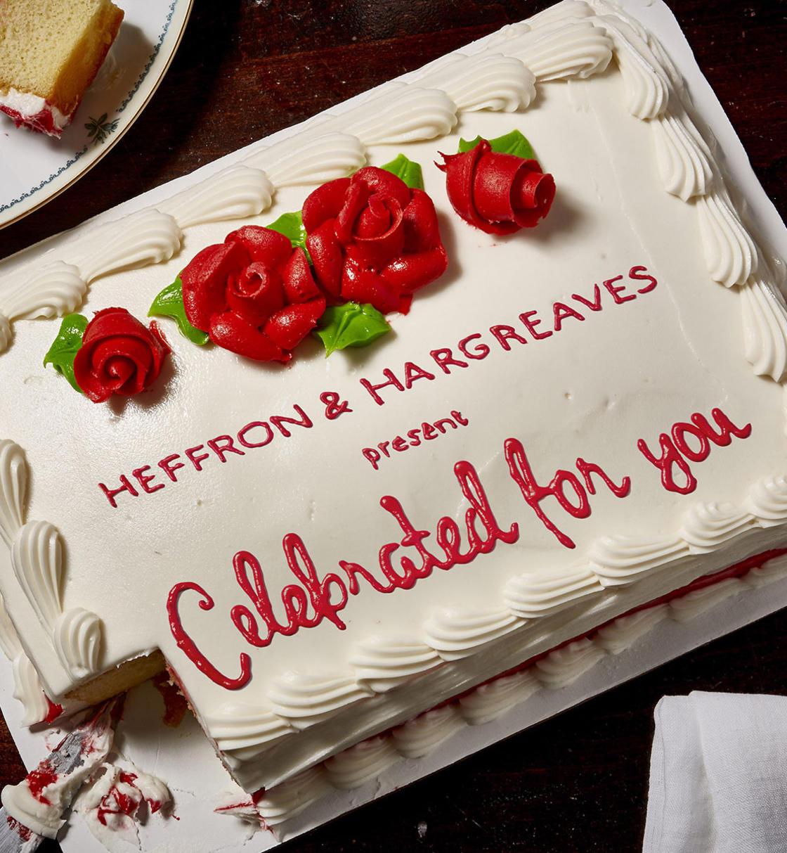 Обсебени фенове приготвят торти за любими режисьори (фотопроект)