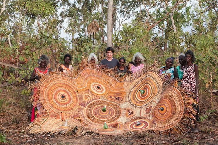 тъкачи аборигени и испански дизайнер създават екологични лампи (снимка)