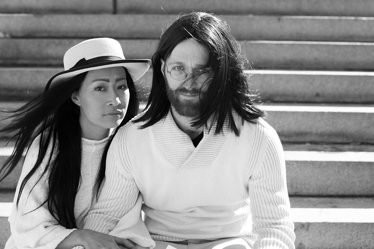 Двойка заменя скучните годежни снимки с едногодишна поп арт фотосесия