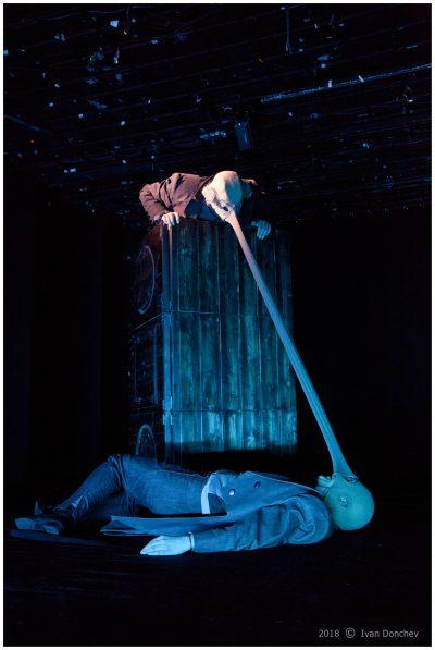 """Неочаквана, фантастична, весела и оригинална адаптация на """"Нос"""" от Гогол в Театър 199"""
