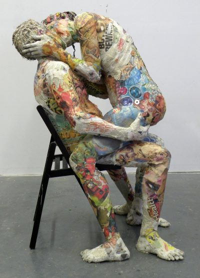 Изкуството на… непотребните вестници (скулптури)