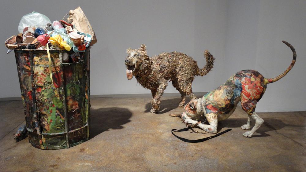 Изкуството на... непотребните вестници (скулптури)
