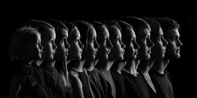 Портрет-наследство улавя характера на 11-те деца на талантлива, самоука фотографка