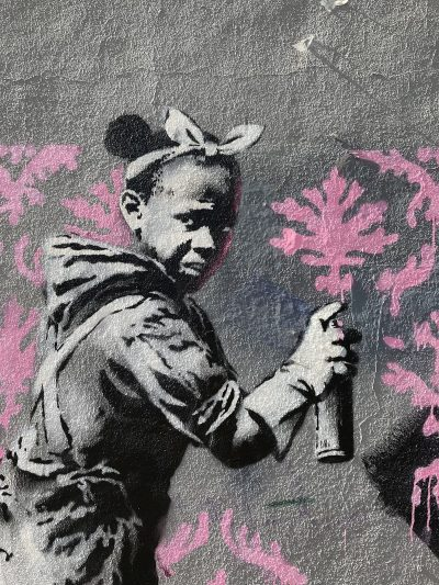 """Банкси """"превзе"""" Париж и умовете ни с послания и графити"""