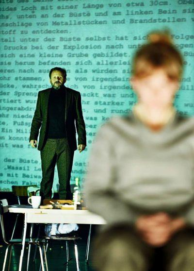 """Силен политически и актьорски театър – съпреживяваме """"Власт и съпротива"""" в 2 представления и дискусия"""
