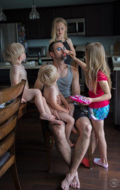 Искрени портрети, посветени на динамиката на отношенията бащи-деца