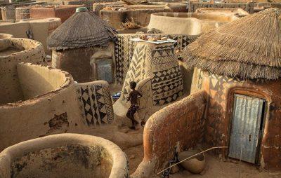 Тиебеле – живото платно на Западна Африка