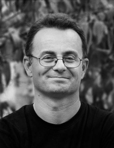 Галин Никифоров, автор на Тяло под роклята