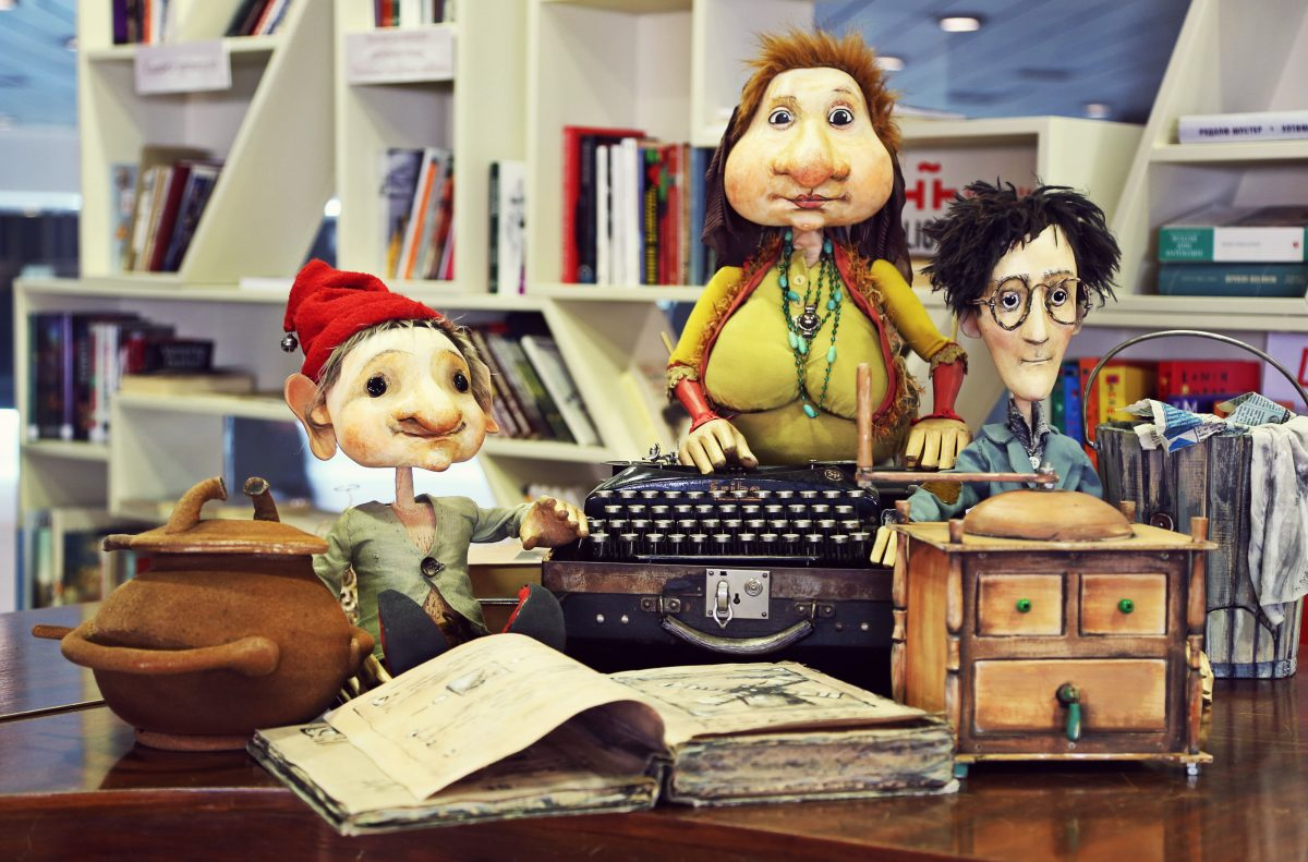 """Първият от серия забавни и образователни спектакли в """"Перото"""" запознава децата с темата за избора (снимка на куклите от спектакъла)"""
