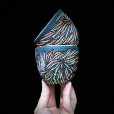 Многопластова красота – в керамиката на Sean Forest