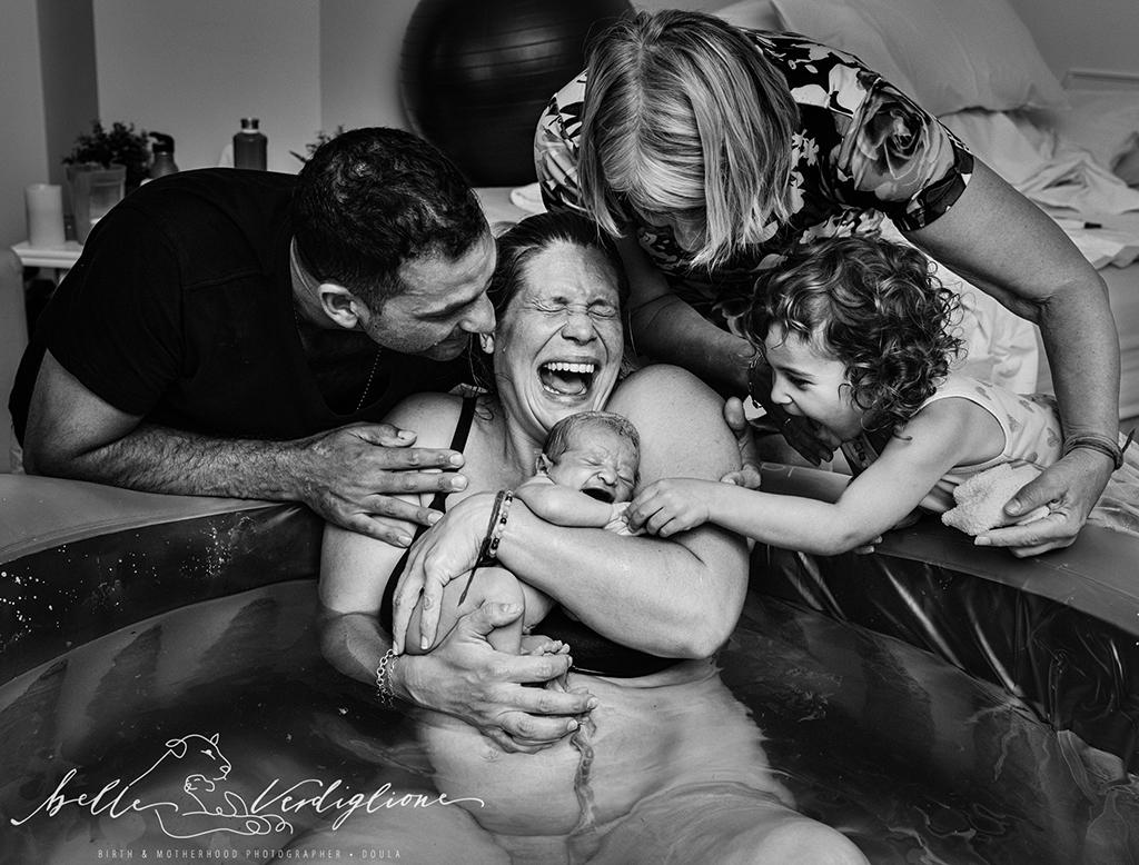 Суровата красота на раждането (снимки)