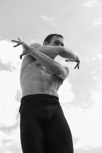 Красотата на движението и танцуващото тяло – в серия портрети на балетистите от Болшой театър, заснета от бивш танцьор