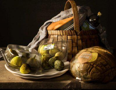 """Not Longer Life: концептуални фотографии """"опаковат"""" известни натюрморти на Моне и Караваджо"""