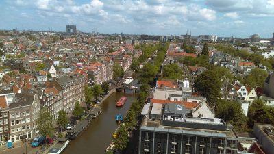 Амстердам: разходка до каналите на Севера