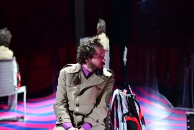 """Пиесата """"Козметика на врага"""" (по романа на Амели Нотомб) ни повежда из скритите пътища на съзнанието. На 15 октомври в Театър Азарян"""