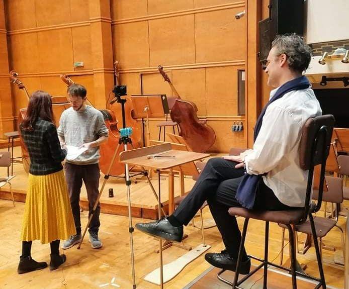Зад Завесата на Зала България (кадър от заснемането на първия епизод на поредицата)